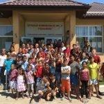 Group photo of Roma children